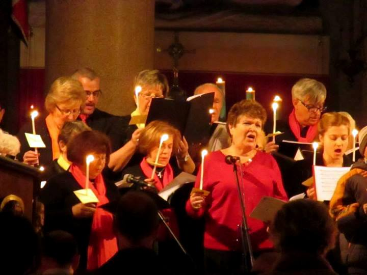 Some of my friends were in the choir. Here is Linda singing...